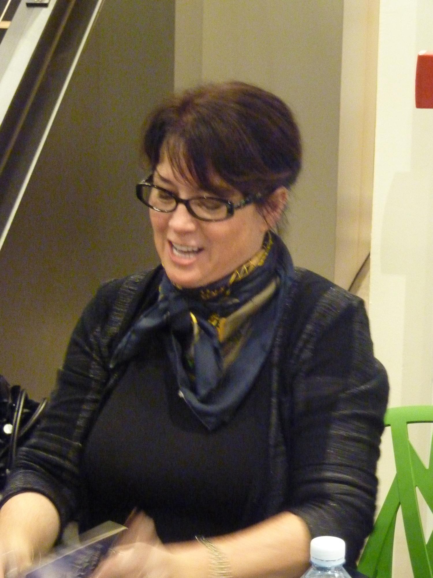 Sherrilyn Kenyon - Paris - 14-09-13 - 062
