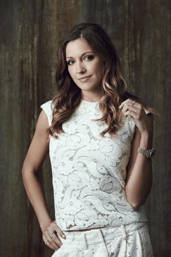 Arrow - Photoshoot - Katie Cassidy