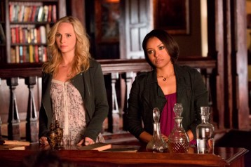 TVD 5x11 - 500 Years of Solitude - Caroline et Bonnie