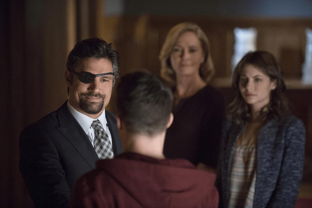 Arrow - S02E15 - Slade et Roy