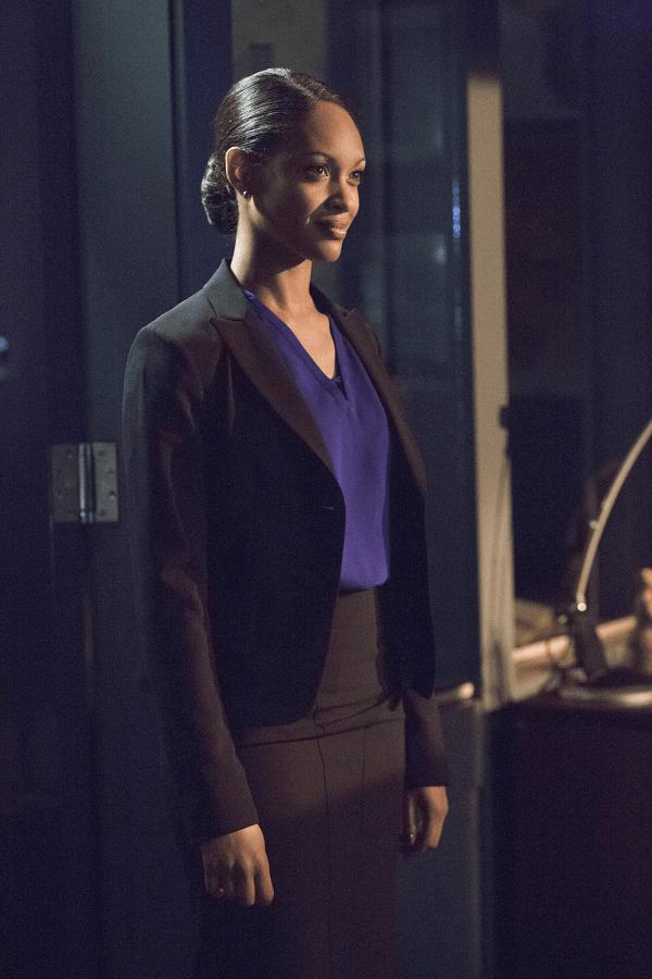 Arrow - S02E16 - Amanda Waller