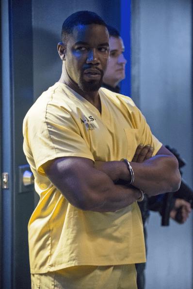 Arrow - S02E16 - Bronze Tiger