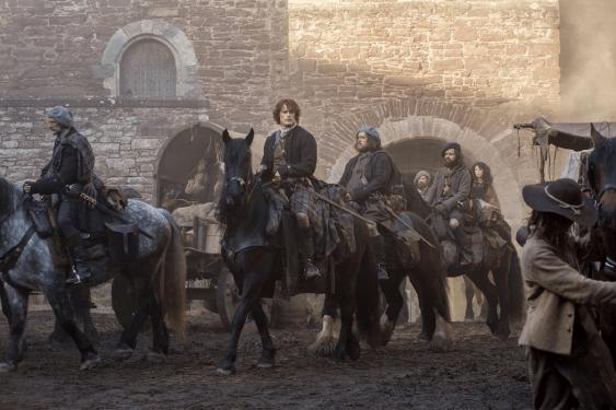 Outlander - S01P02 - Stills 3