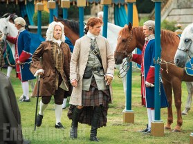 Outlander stills saison 2 (27)Simon-Callow-and-Sam-Heughan