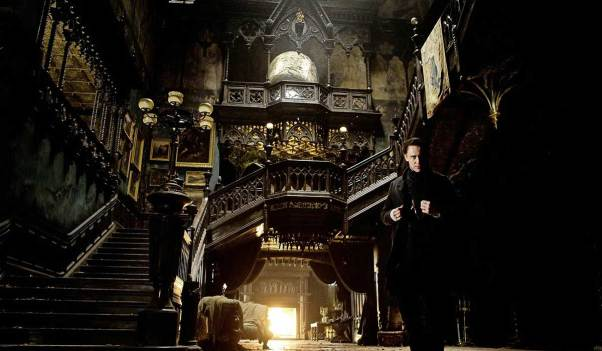 Crimson Peak - Allerdale Hall entrée Thomas