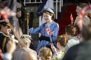 The Crown - Elizabeth en tourner