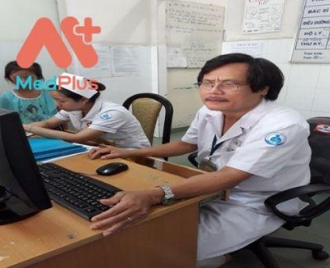 Bác sĩ Tiến hiện đang công tác tại cơ sở khám tổng quát cho các bé hàng đầu TPHCM