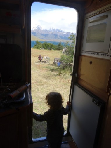 PN TORRES DEL PAINE / Vue depuis le bivouac de la laguna Azul