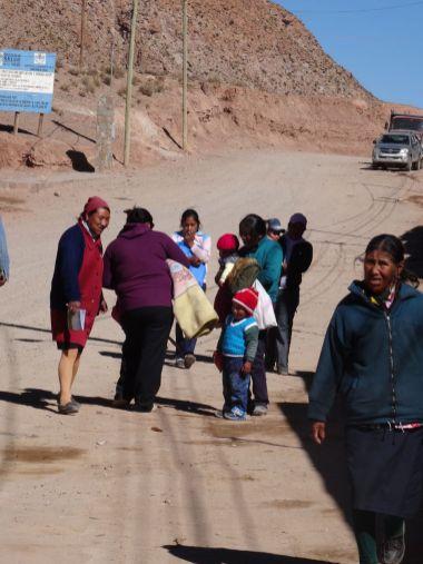 SUSQUES / Dernier village avant de passer au Chili. Pas facile d prendre les habitants en photo, je n'ose pas trop.