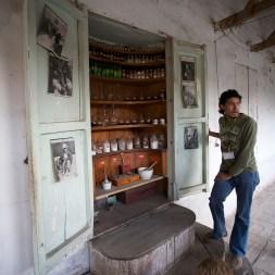COCHABAMBA / Couvent Santa Teresa : l'armoire à pharmacie