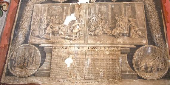 CURAHUARA DE CARANGAS / Chapelle Sixtine - Dans le presbytère, un antique almanach français est collé sur le mur. Mystère…