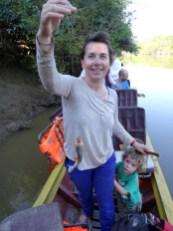 PN MADIDI / Dans la pampa, à la pêche aux piranhas. Un message personnel pour Jean : c'est ici que tu dois venir car la pêche n'a jamais été aussi facile ;-)