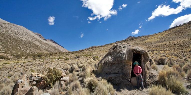 PN SAJAMA / Balade vers le lac : hutte refuge de berger