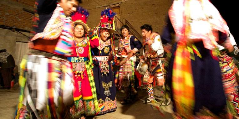 PN TOROTORO / Fête du village : démonstration de danses traditionnelles par des groupes folkloriques invités