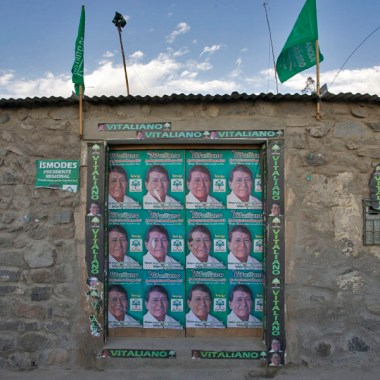 CANYON DE COLCA / A Yanque, permanence électorale
