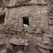 CANYON DE COLCA / Balade sur les hauteurs de Coporaque : sépultures incas au pied de la falaise