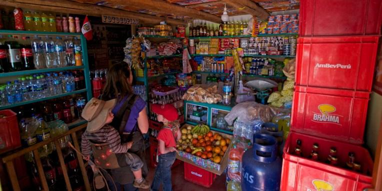 LAC TITICACA / Une tienda sur la presqu'ile de Llachon (Santa-Maria)