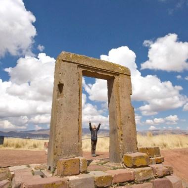 TIWANAKU / Après la puerta del sol, voici la puerta de la… luna !