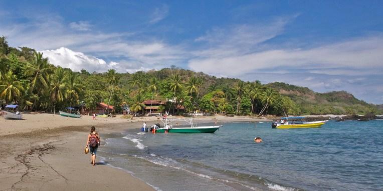 MONTEZUMA / Balade matinale sur la plage