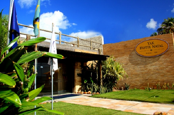 081-entrada-yak-plaza-hotel