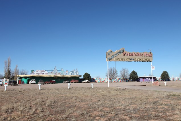2065 8 dia Arizona Flinstones Bedrock City