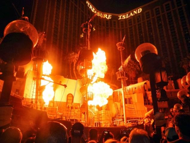 2921c 9 dia Nevada Las Vegas Strip - Treasure Island Hotel Casino