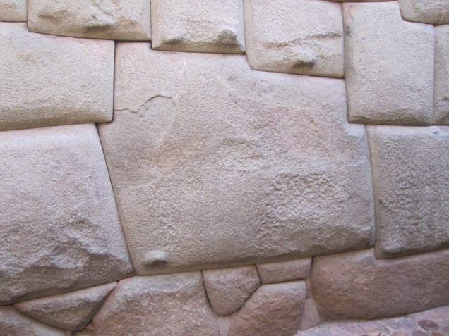 454-2o-dia-cusco-pedra-dos-12-angulos