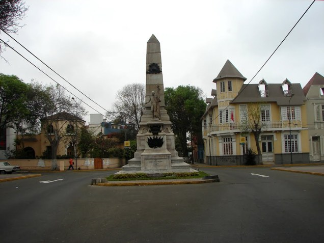 monumento-al-coronel-lorenzo-lopez-roca-obelisco-saenz-pena