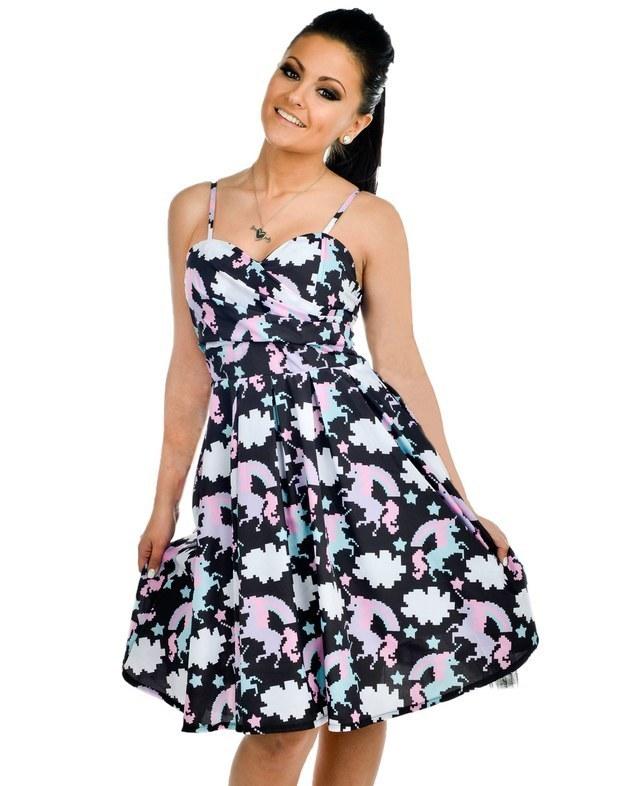 Unicórnio-vestido-estampa-colorida