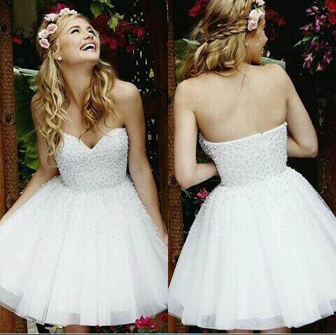 vestido-de-15-anos-curto-na-cor-branco-com-pérolas
