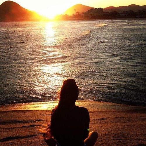 Fotografias-feitas-ao-pôr-do-sol-para-se-inspirar-meditando