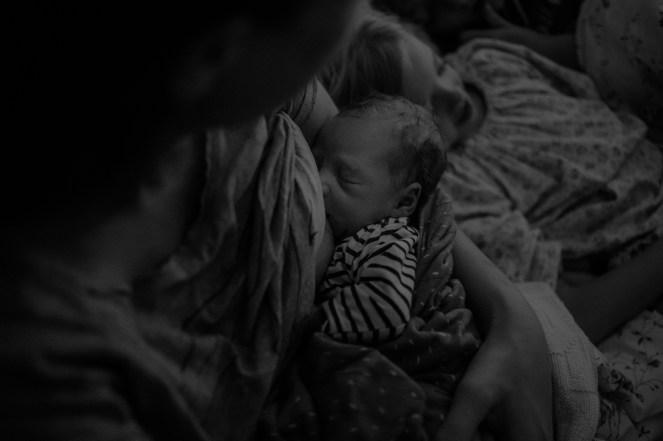 Augsburg Wochenbettfotografie neugeborenenfotografieIMG_2700