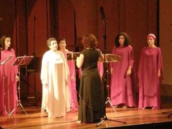 2008'X'23. Estreno de 'LBaila'. Cantando