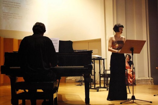 Estela Ortega and Carlos Rodríguez Acosta at the premiere of No mires a otro lado