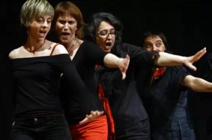 2010'V'9. Gira VBL - Almansa - Las contraltos cantan 'Bravo, voces'