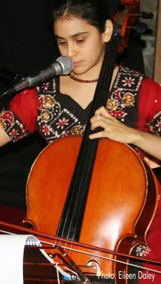 2011'XI'17. I MONO+GRAPHIC. Isabel Castellvi en 'Cello Mantra'