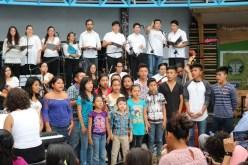 2017'II'21. San Salvador. Concierto en el Mercado Cuscatlán - concierto - 9 - coro Yutahui