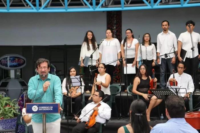 2017'II'21. San Salvador. Concierto en el Mercado Cuscatlán - presentación de Fernando Fajardo