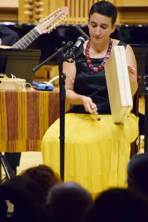 Sonia con pandero. Foto: Ela R que R