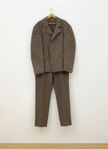 joseph_beuys_felt_suit_postcard