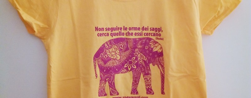 t-shirt yoga