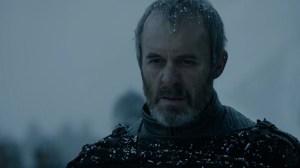 ...la mirada impasible de Stannis...