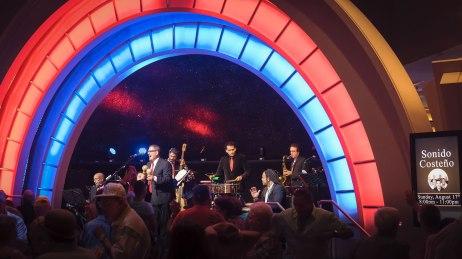 JuanMa-playing-maracas-singing-band-background-Empire-City-Yonkers-Raceway-Casino-gig