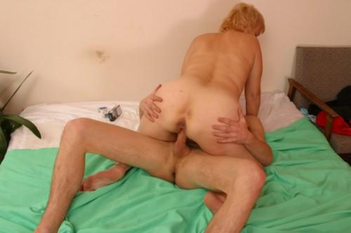 knullsugen nu blondin blir knullad