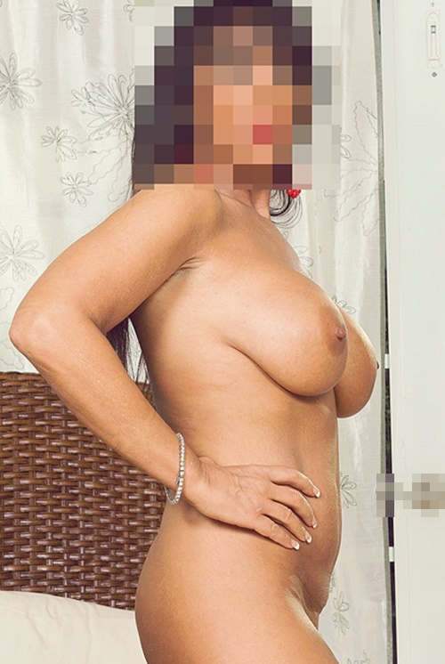 sexy brazilian shemale stora bröst
