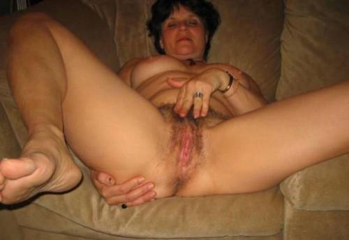 Hennes njutning under onani är viktig