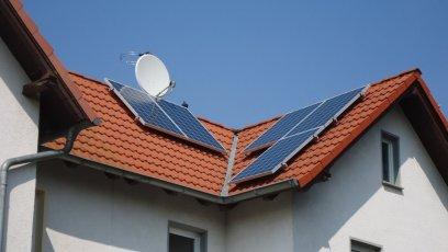 Photovoltaikanlage mit IBC Modulen und einem SolarEdge Wechselrichter in Erfurt