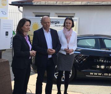 Anja Siegesmund, Ministerin für Umwelt und Energie eröffnete feierlich die E-LAdeLounge und die E-BusinessLounge