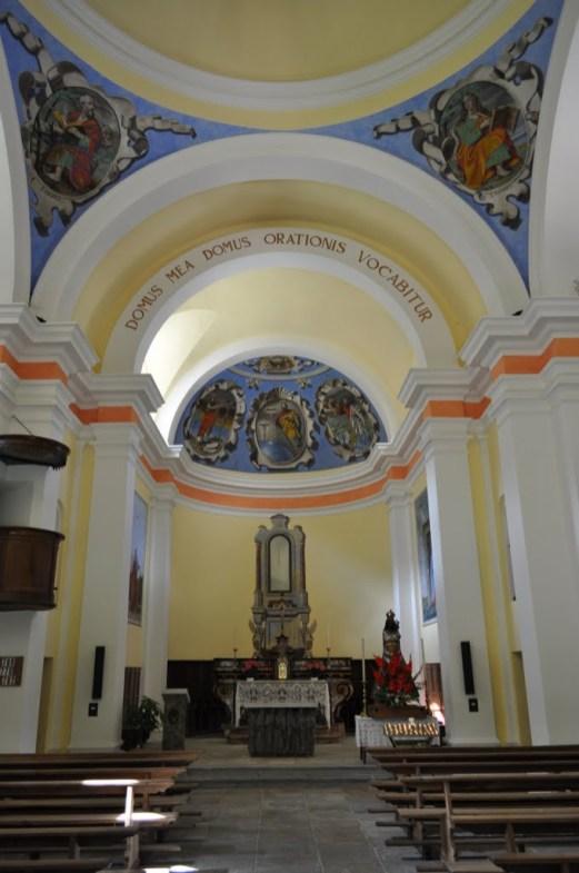Chiesa_di_Santa_Maria_Lauretana_altare2