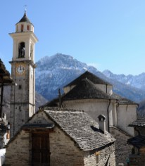 Kirche_Santa_Maria_Lauretana_Sonogno_2